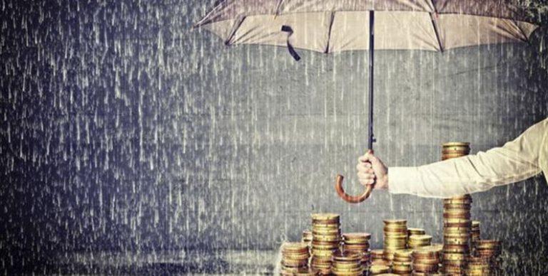 De historisch lage rentes op spaarboekjes duwen steeds meer Belgen richting beleggingsmarkt. Toch zijn er maar weinig Belgen geneigd om helemaal afstand te nemen van hun vertrouwde spaarboekje. Gelukkig valt beleggen perfect te combineren met het klassieke sparen. Volgende tips leiden u naar de gulden middenweg.
