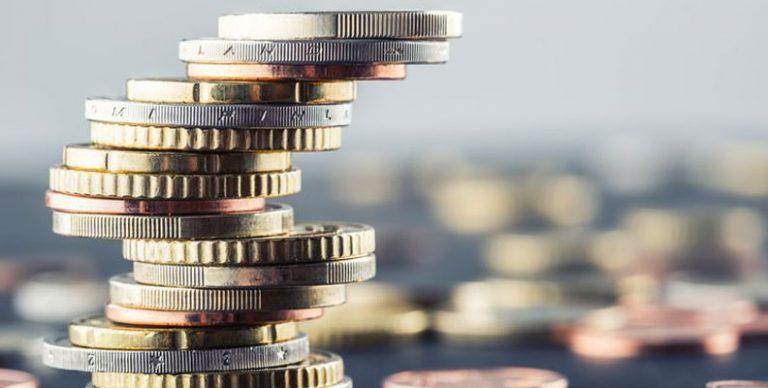 Hoewel we dit jaar geen hogere rentes op spaarboekjes moeten verwachten, zijn er toch mogelijkheden om meer uit uw spaargeld te halen. Wat zijn de best renderende spaarrekeningen en welke alternatieven zijn er als u uw geld langere tijd kunt missen? Wij zochten het voor u uit.