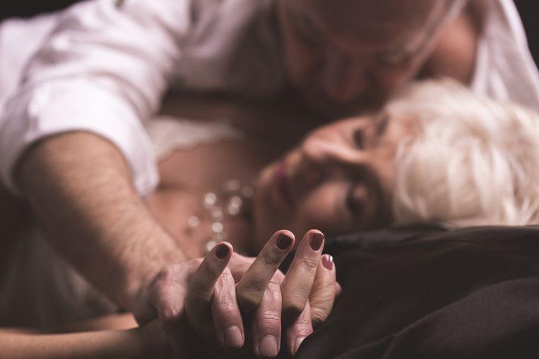 """Mijn geheim (deel 1): """"Ik ben bijna 70 jaar, maar in zijn armen werd ik weer dat meisje van 18"""""""